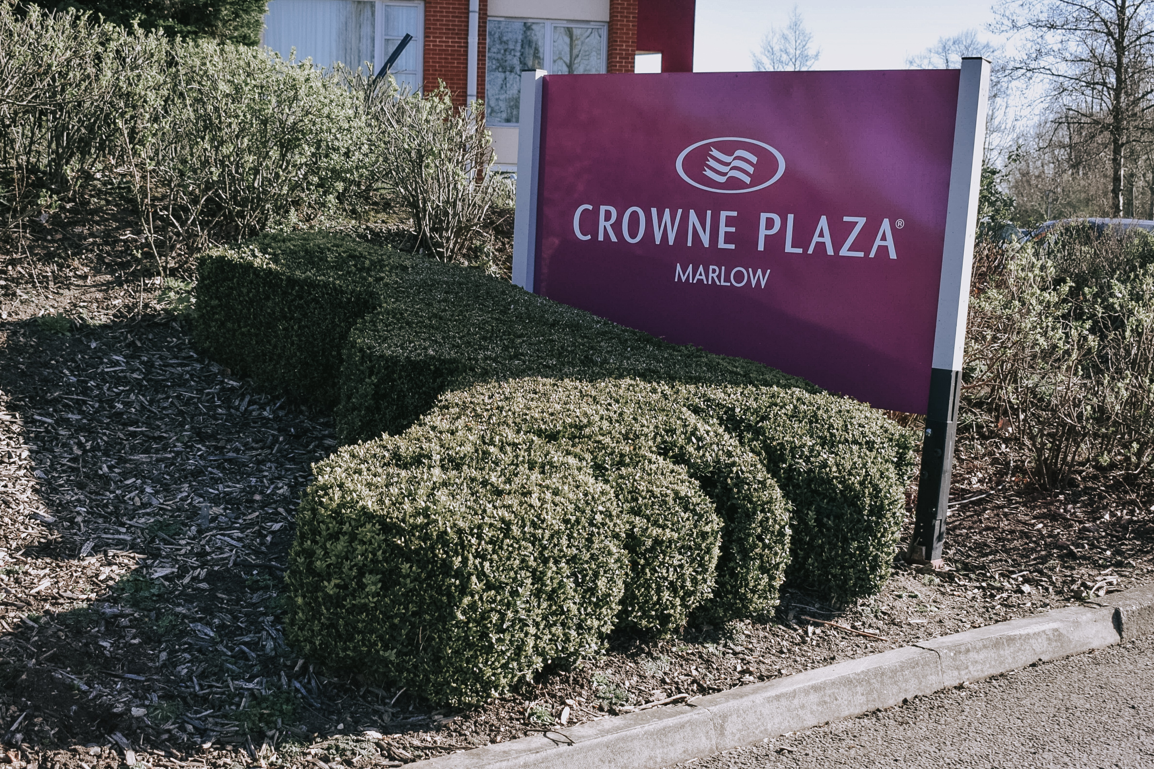 Buyagift voucher: Crowne Plaza Marlow spa day and afternoon tea for two