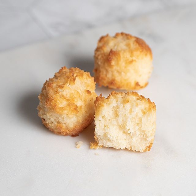 """Our Coconut Bites are sweet organic bites packed with shredded coconut. But, they're also a good alternative to that chocolate chip cookie in your lunch bag, and the slice of cake in the break room. ⠀ ⠀ Pick up a pack from your local @costco or check out or website's """"Where to find"""" section to locate a stockist near you. 🤗⠀"""
