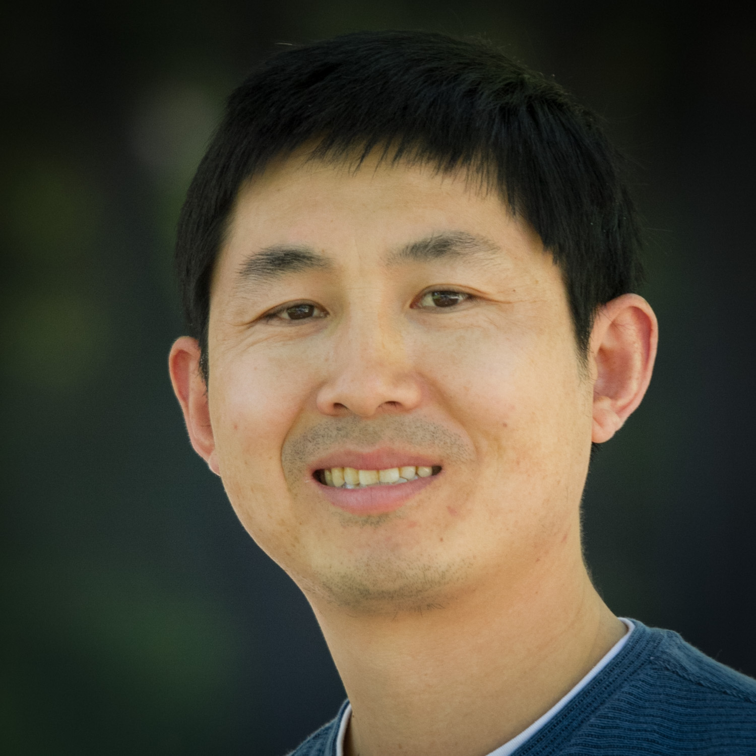 Song Cao, Ph.D., Instructor   I have broad research experience and intensive coding experience in the fields of RNA informatics, cancer genomics and proteomics, viromics and computational biophysics. In the past years, I developed the Vfold model for accurately predicting RNA two and three-dimensional structures, the VirusScan pipeline for detecting viruses from NGS data, and the PepScan pipeline for processing mass spectra data. In my spare time, I like different outdoor activities such as fishing, running, hiking and playing basketball.