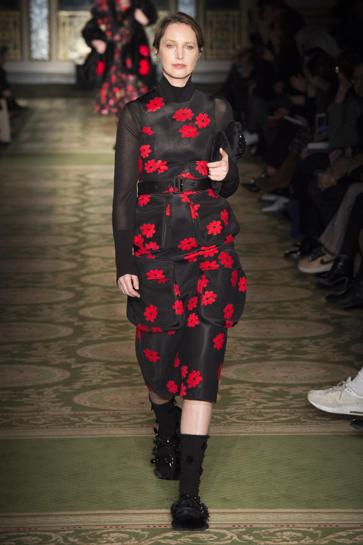 Cécilia Chancellor (50 ans), surnommée « The London Girl » par le Vogue UK, est l'une des rares modèles à avoir plus de 30 ans de carrière continue