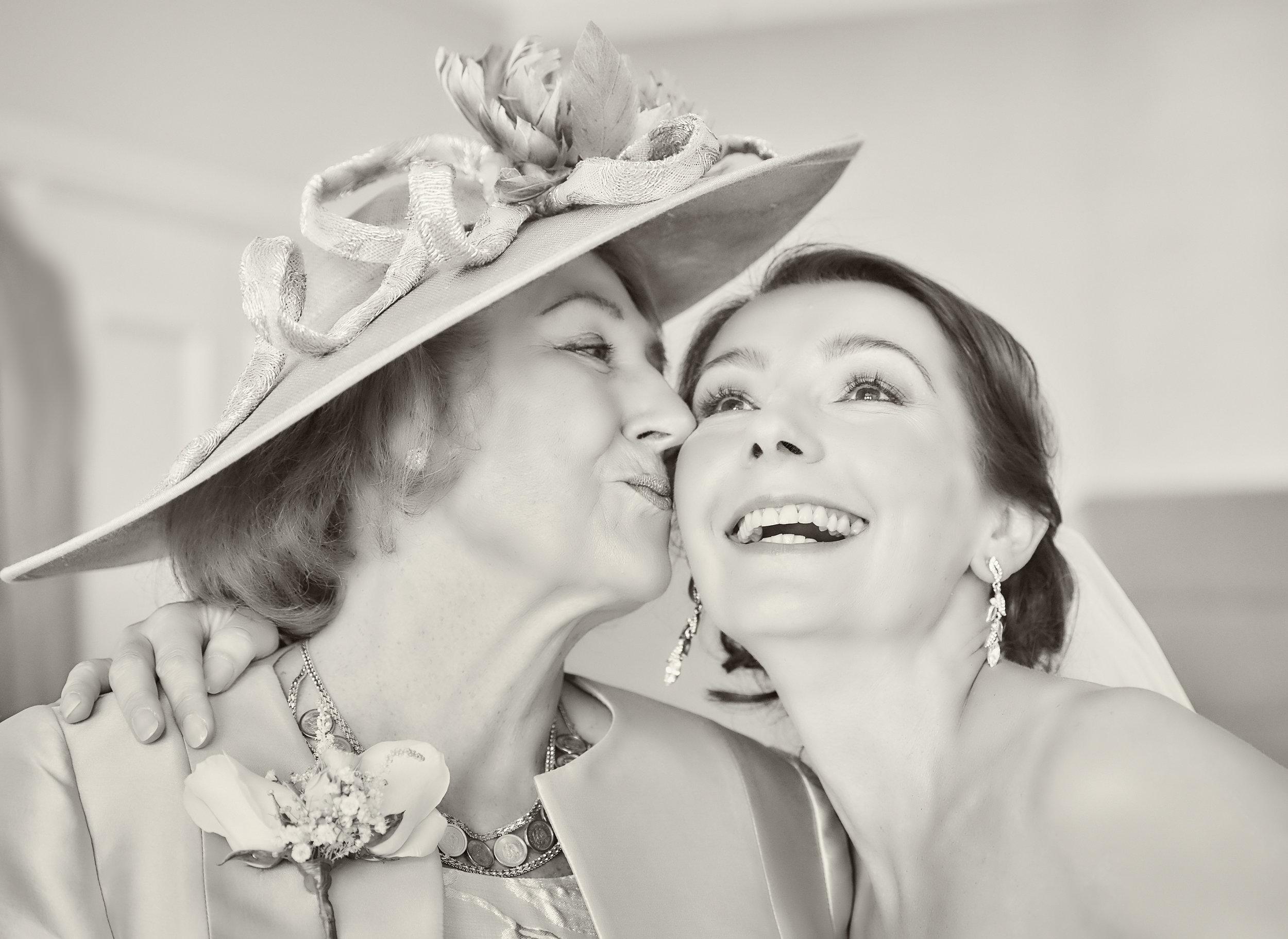 Georgina mum kiss b&w.jpg