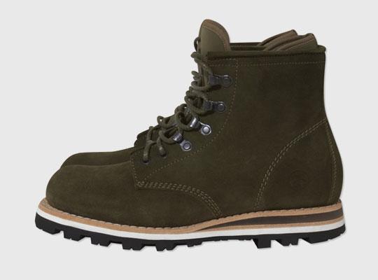 stussy-deluxe-bepositive-boots-0.jpg