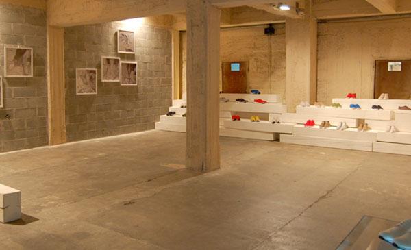 bepositive-ss2010-exhibition-1.jpg