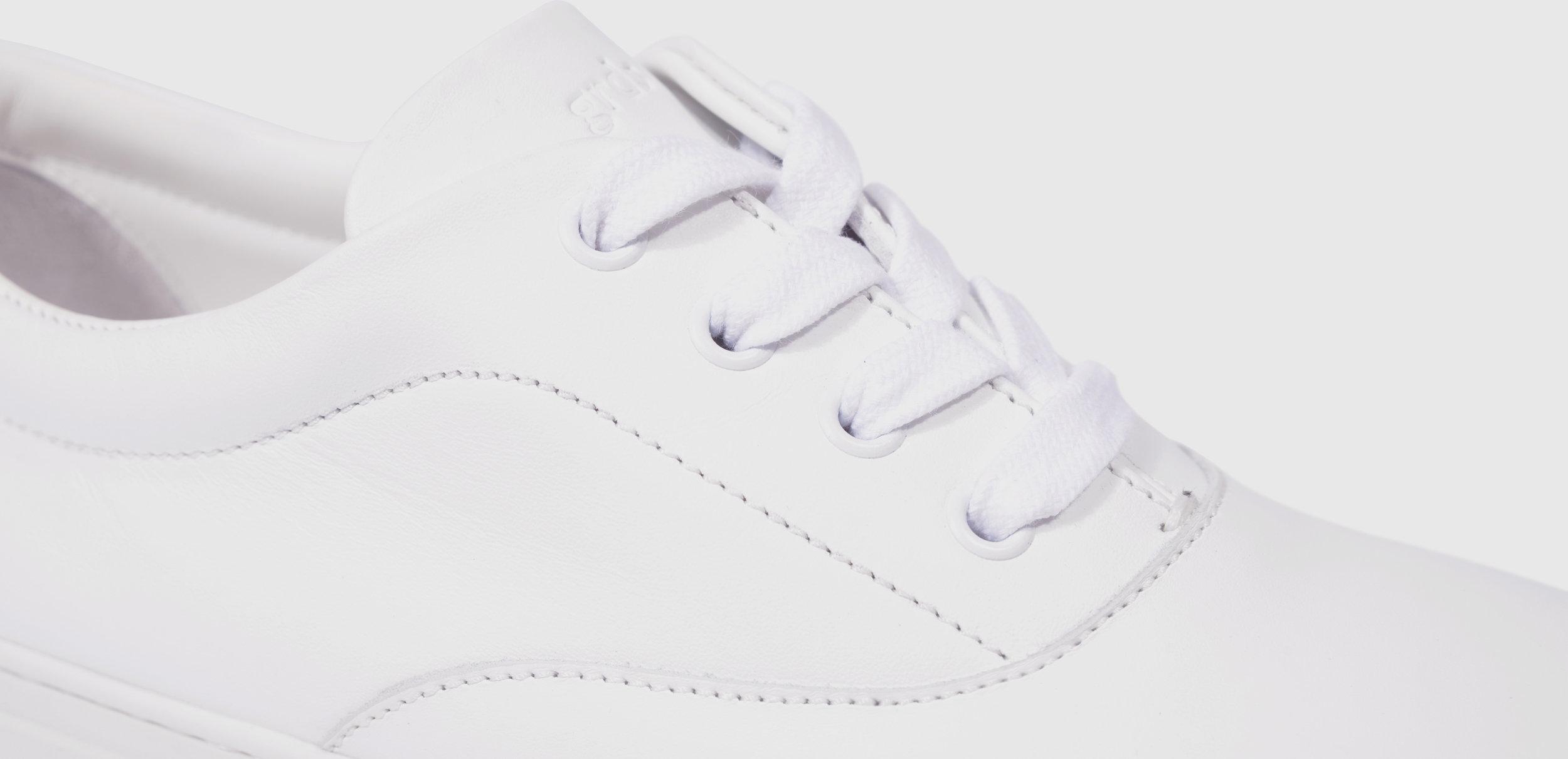 balmoral-01-leather-white-01-m.jpg