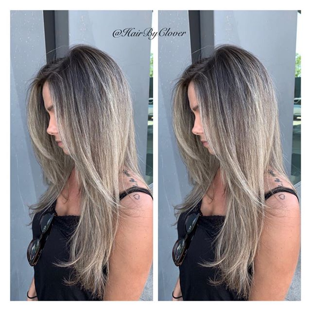 ⚡️Natural Root W/Balayage Ombré Highlights ⚡️ • #hushhushbangbang #balayagehighlights #blondehair #blondebalayage #blonde #ombre #ombrehair #balayage #balayageombre #balayagehair #balayageexpert #hair #beauty #fashion #style #longhair #eufora #dimensionalblonde #dimensionalbalayage #dimensionalcolor #b3brazilianbondbuilder #hairofinstagram #hairoftheday #hairbyclover #goodfriday #cochella