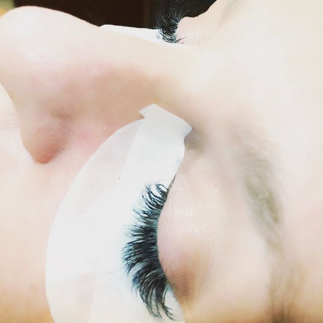 This soon to be bride 😍  9-13 2D 3D #volumelashes #eyelashextensionsbygina  #eyelashextensions #volumefluff #volumepoplashes @hushhushbangbangoc  #sopretty