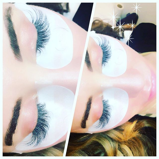 Fluffy fill on @iovychic 😍 #eyelashextensionsbygina  #volumefill #eyelashextensions  #lashes @hushhushbangbangoc
