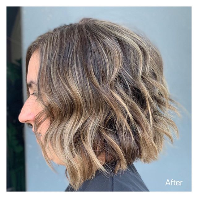 👈🏻Swipe to see the before picture! •Full head of highlights plus root color to achieve this look. 🙌🏻 #hairgoals #hushhushbangbang #ocsalon #costamesa #newportbeach #highlights #hair #haircuts #color #dimensionalbrunette #fallfashion #fallhair #fallhaircolors #beforeandafter #shorthair #b3 #eufora #blondehighlight #tbt #wavyhair #beauty #fashion #style #hairbyclover