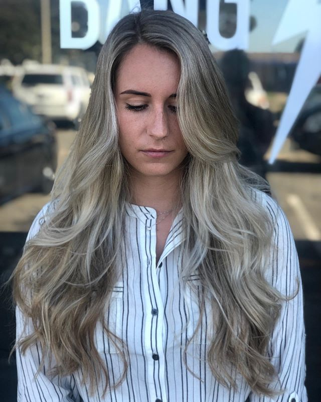 Beautiful hair means no bad case of the Mondays! 👌🏻 #hairandmakeupbyamandacristine #orangecountyhairstylist #orangecountymakeupartist #hushhushbangbangoc