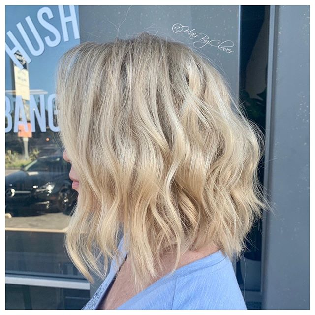 •Summer May be gone, but we blonde all year long!! 🖌🎨• #blondehair #blond #blondehighlights #butteryblonde #hair #haircut #hairstyles #haircolor #hairstylist #shorthair #shorthairstyles #shorthaircuts #beachwaves #hushhushbangbang #ocsalon #hairbyclover #costamesa #newportbeach #eufora #b3  #schwarzkopfblondeme #hairgoals #hairinspo