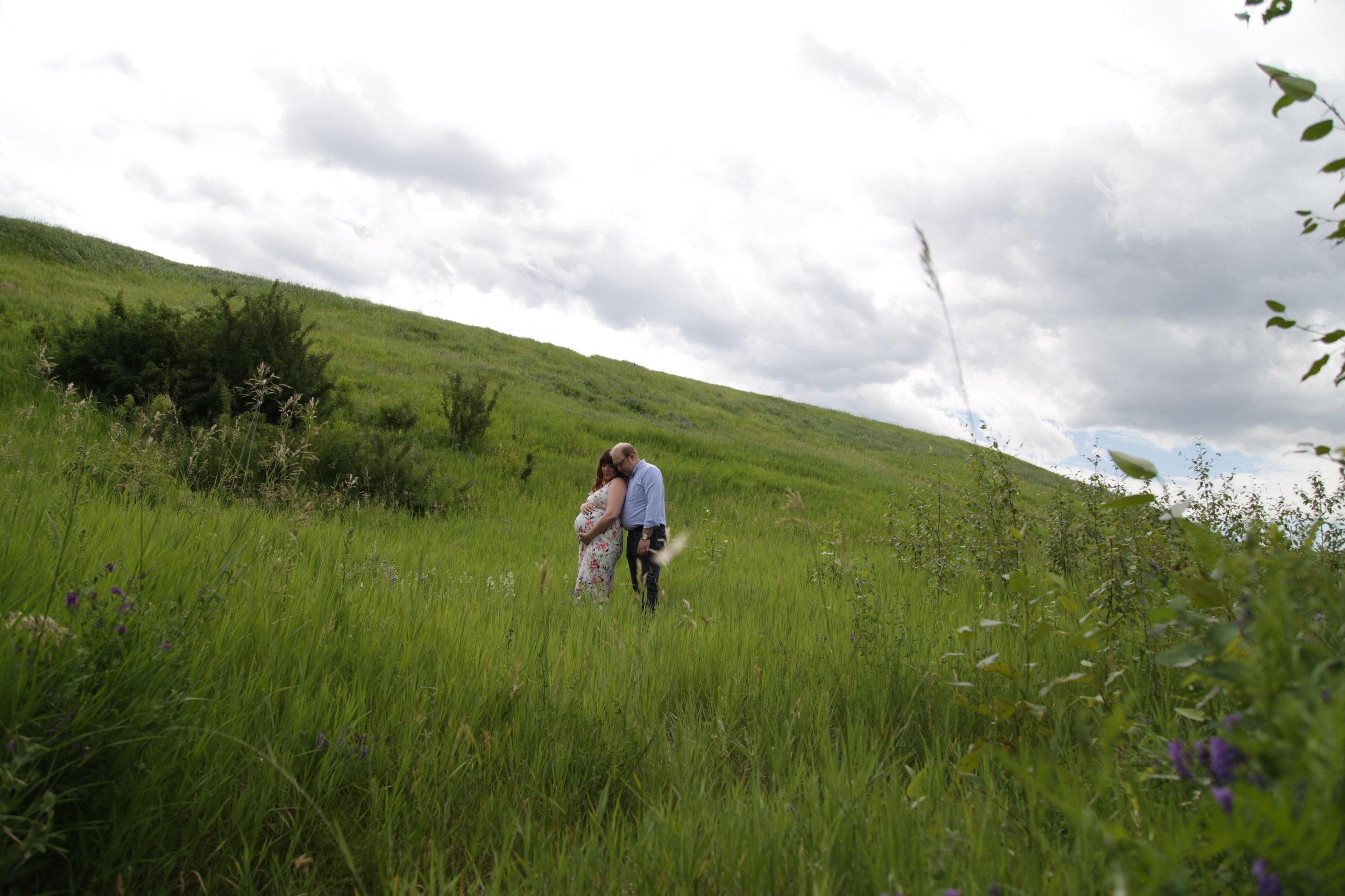 outdoor maternity photography | edmonton