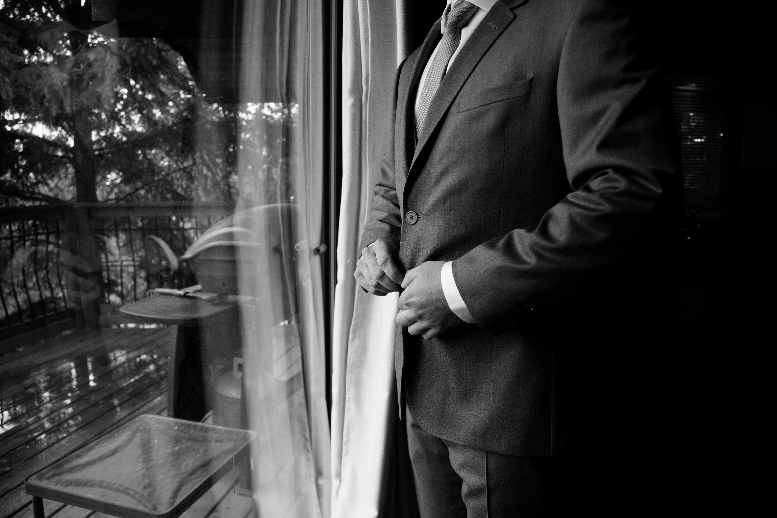 wedding edmonton photographer | black and white groom image