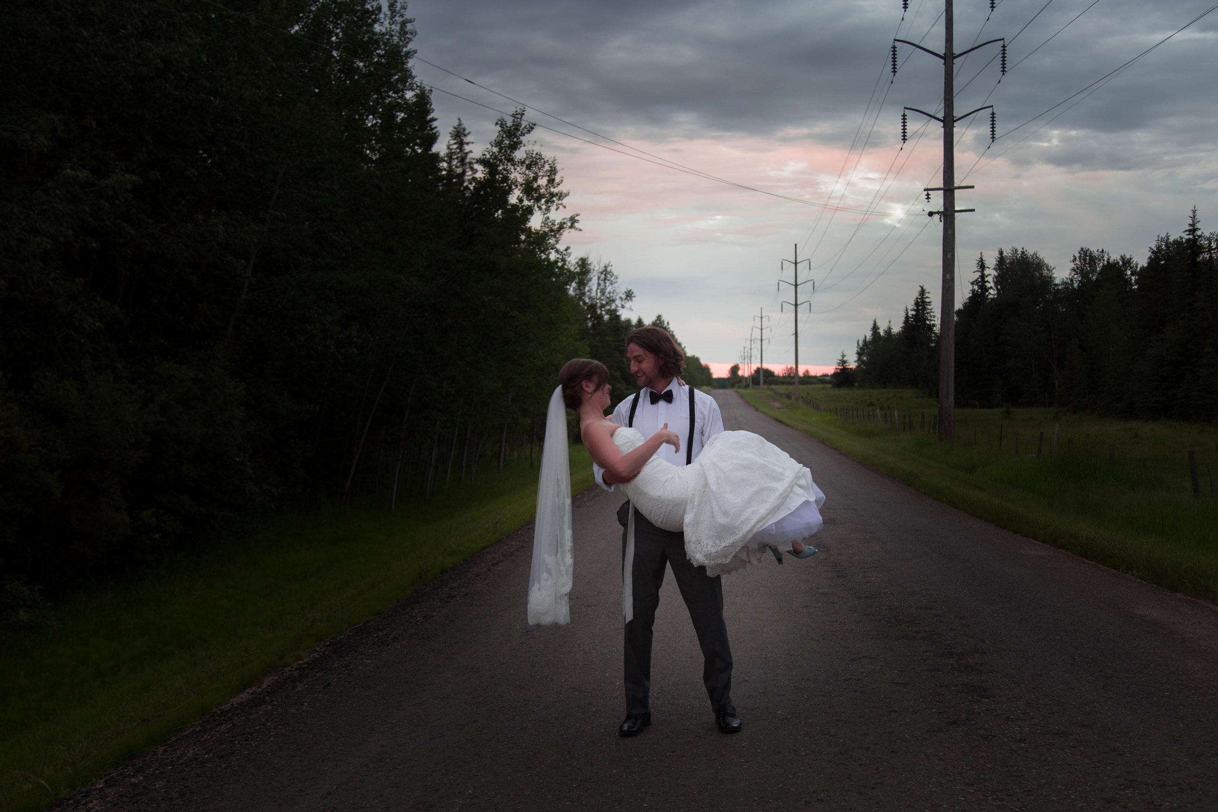 wedding edmonton photographer | Lindsay Mills Photography