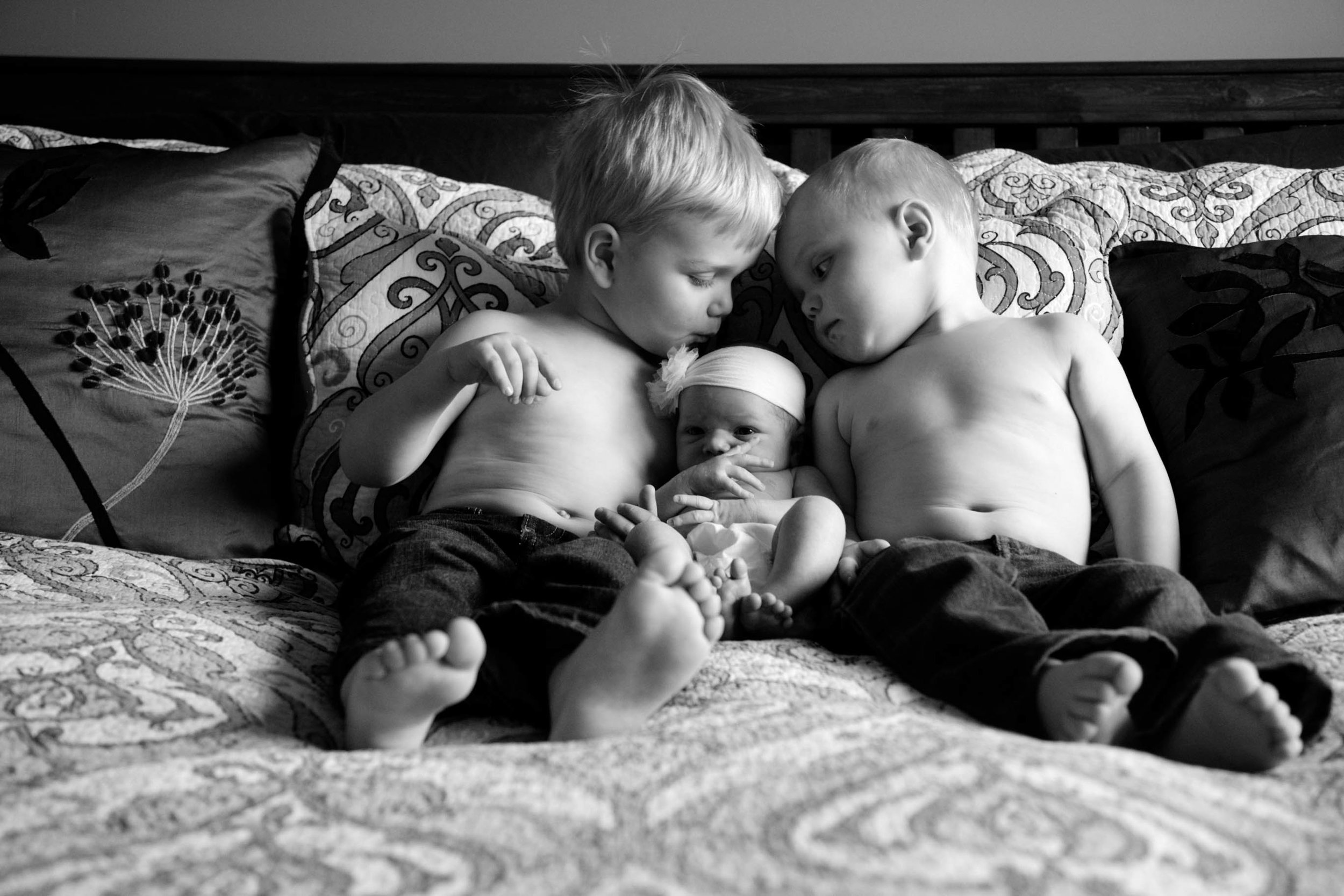 siblings | in home newborn session | edmonton