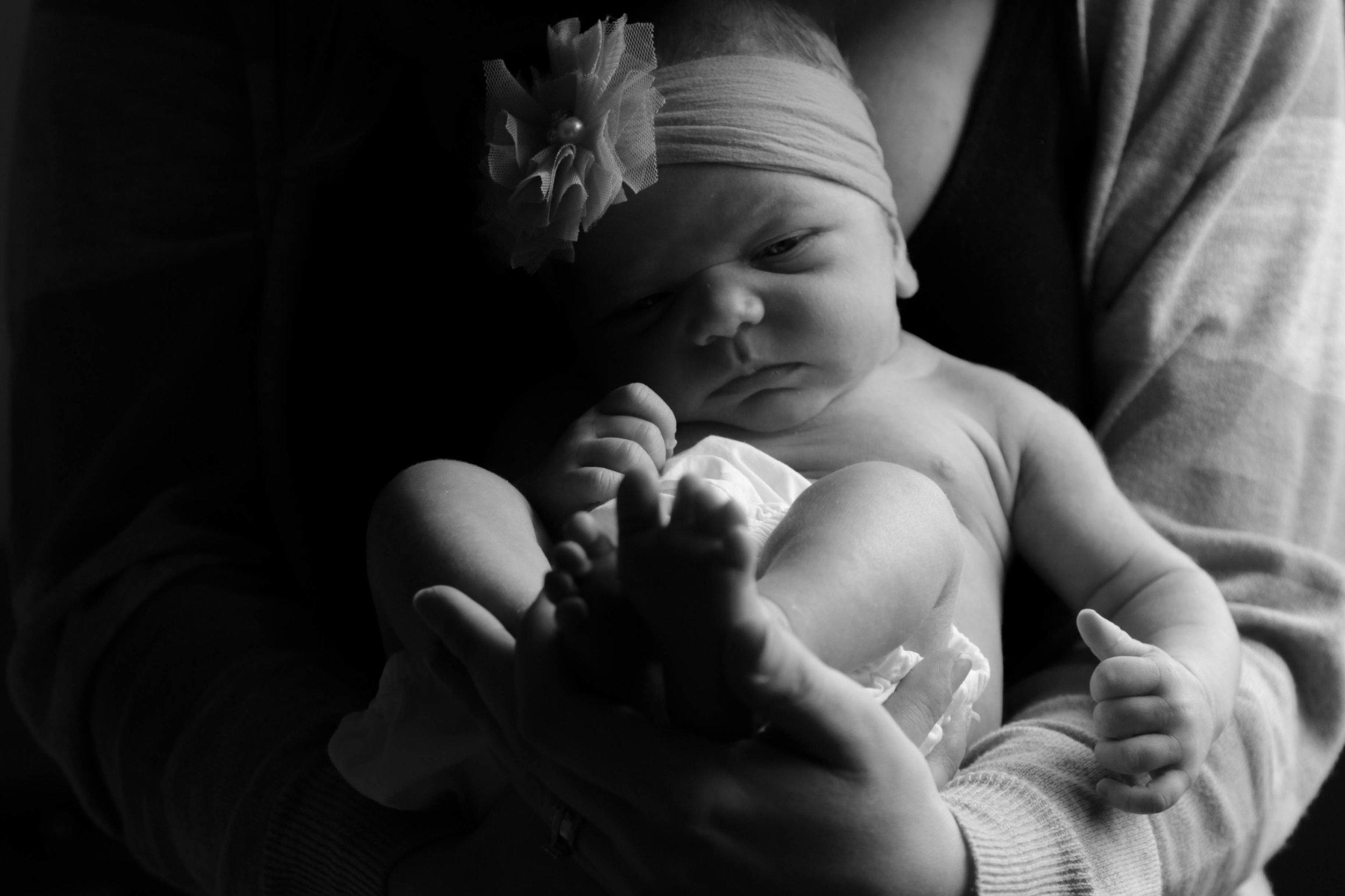 in home newborn session | edmonton
