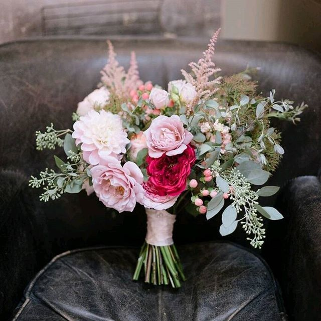 Love this image captured at the L.A. Launch for @weddingtonway. We were honored to be a sponsor Coordination - @bobgailevents  Photos- @hazelnutphotography#instarepost20