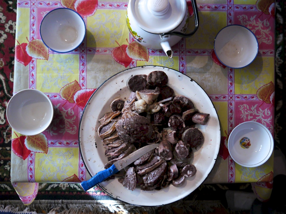 tuvan national dish: izee khaan (blood saussage made from sheep intestines)