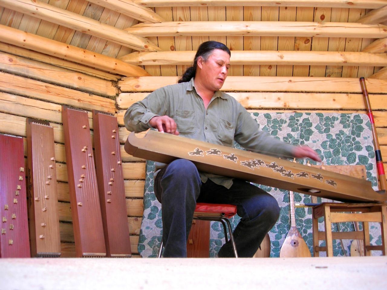 musician and master instrument builder sergei charkhov