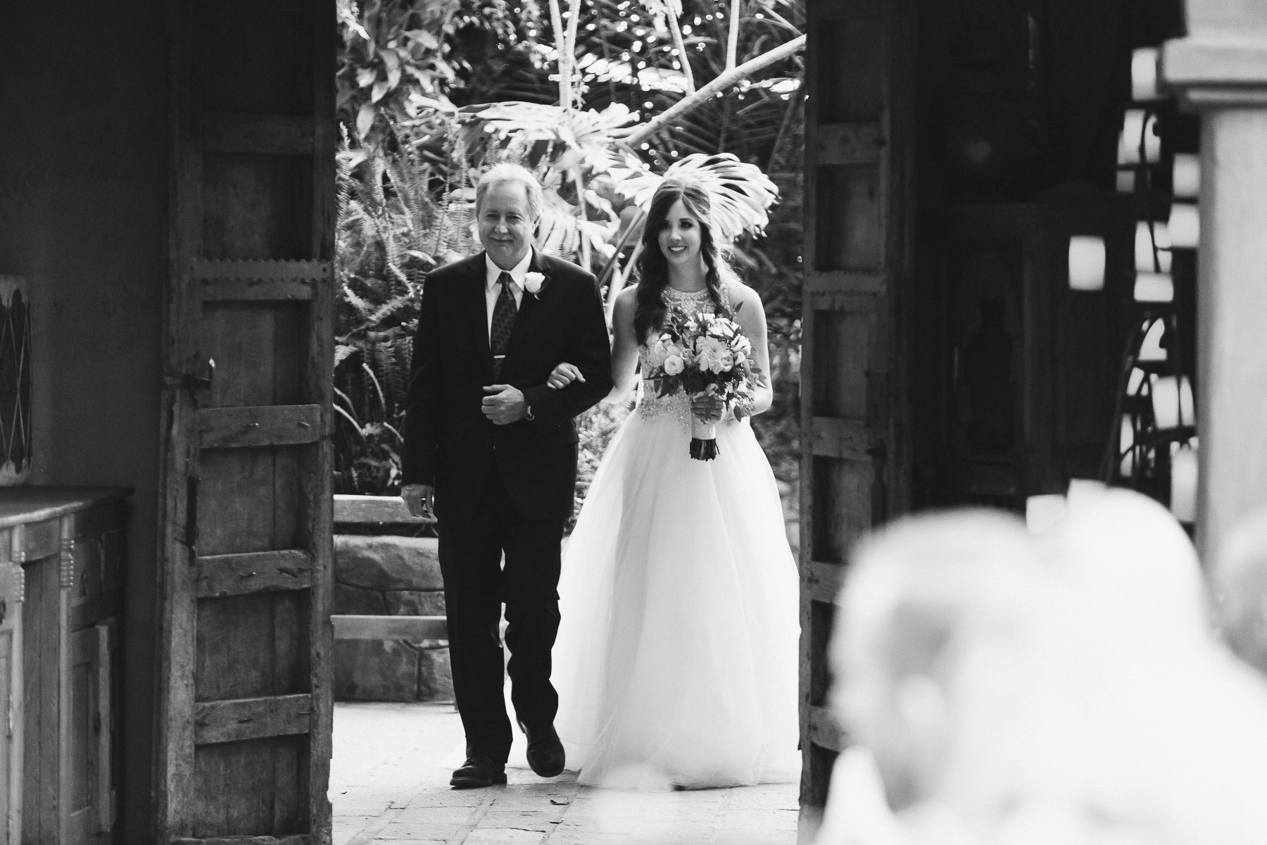 161112-Luxium-Weddings-Arizona-Jon-Madison-Boojum-Tree-First-Look-022.jpg