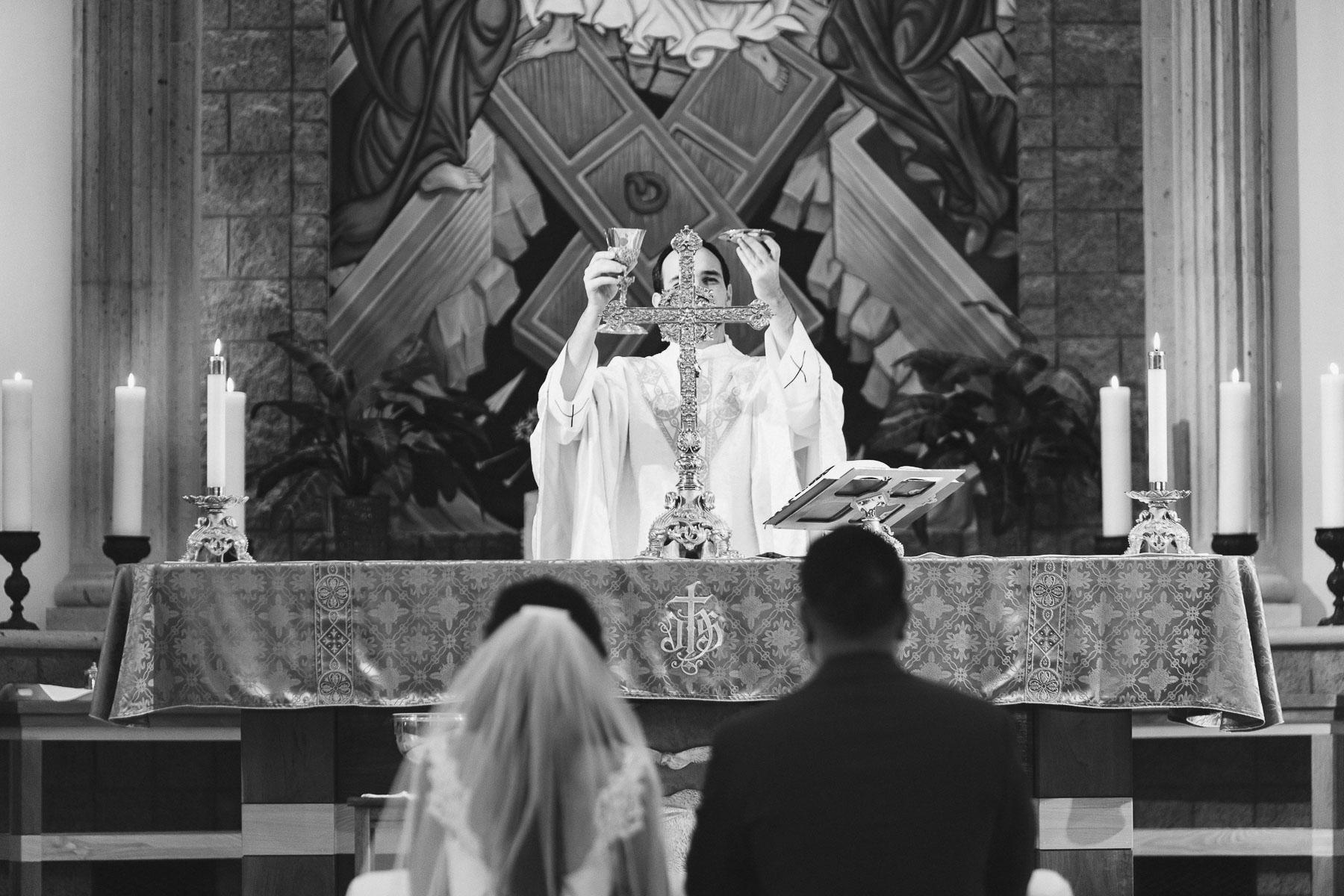 161029-Luxium-Weddings-Arizona-Jeff-Griselda-First-Look-Val-Vista-Lakes-Gilber-038.jpg