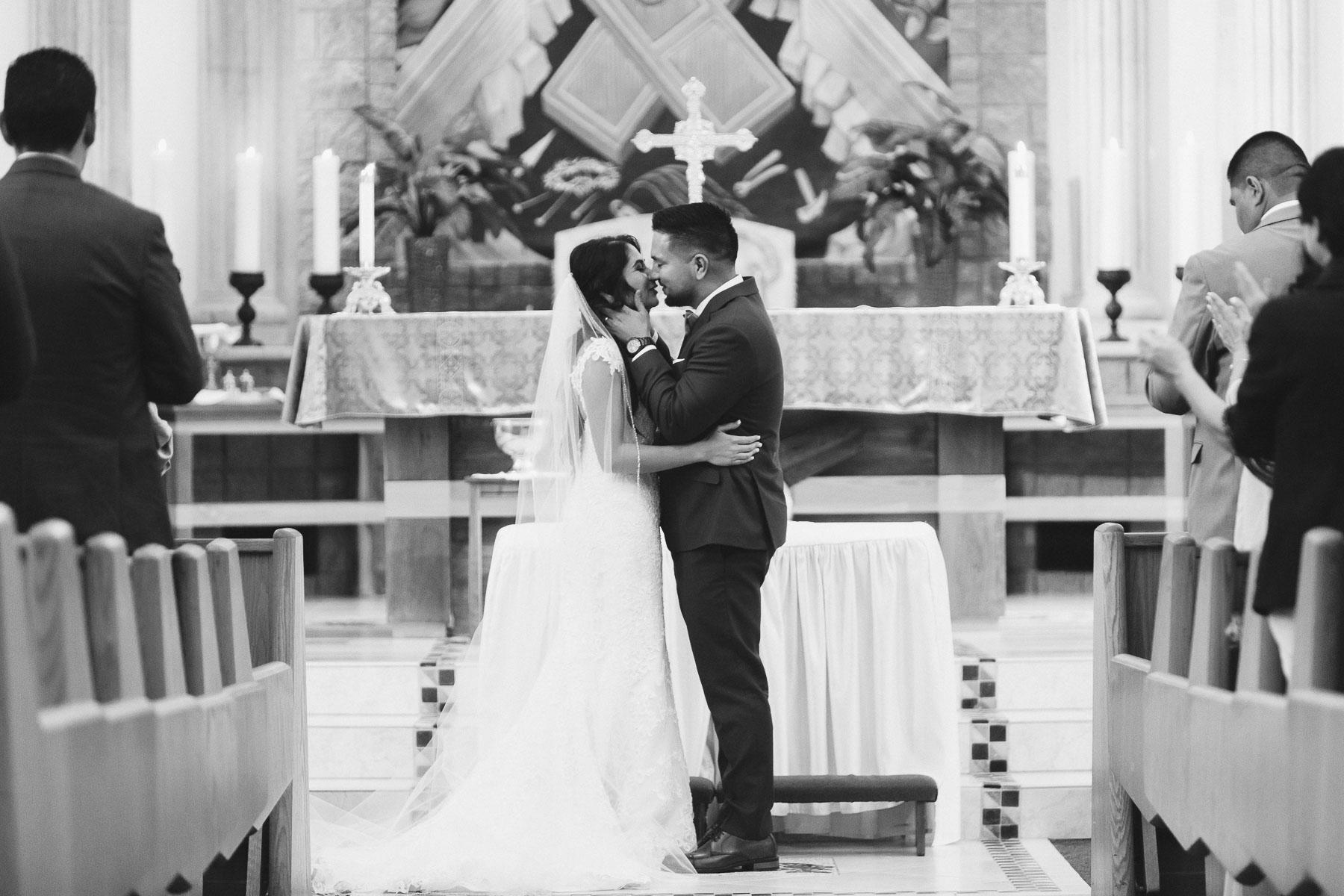 161029-Luxium-Weddings-Arizona-Jeff-Griselda-First-Look-Val-Vista-Lakes-Gilber-042.jpg