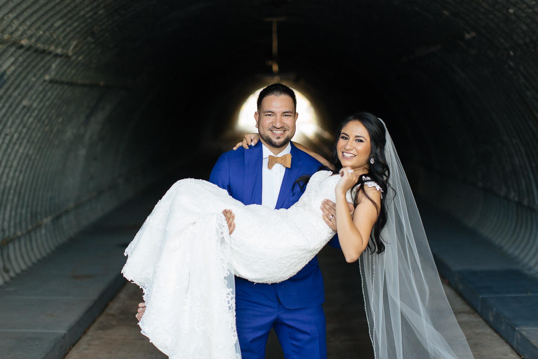 161029-Luxium-Weddings-Arizona-Jeff-Griselda-First-Look-Val-Vista-Lakes-Gilber-062.jpg