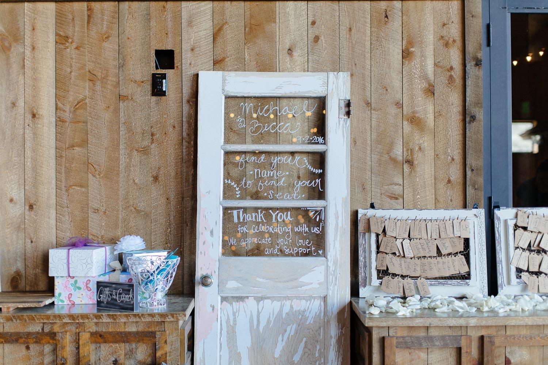 160902-Luxium-Weddings-Arizona-Michael-Becca-Spruce-Mountain-Ranch-Colorado-webres-039.jpg