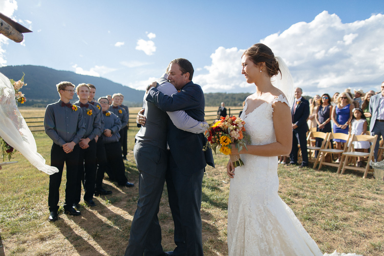 160902-Luxium-Weddings-Arizona-Michael-Becca-Spruce-Mountain-Ranch-Colorado-webres-055.jpg