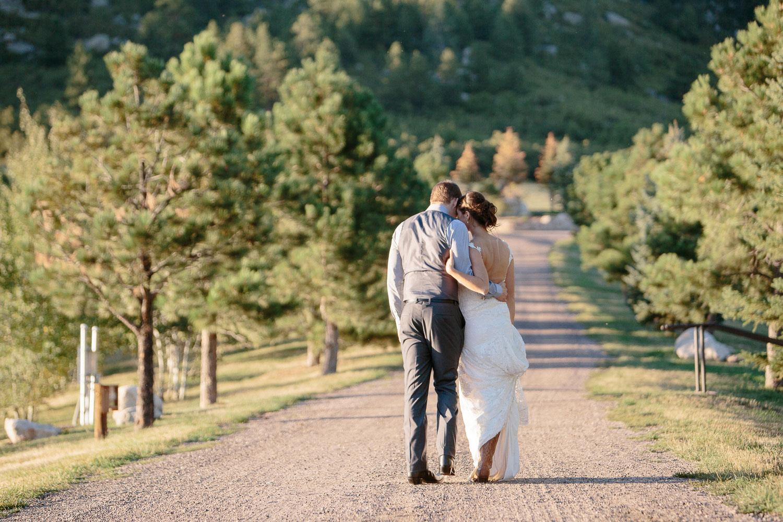 160902-Luxium-Weddings-Arizona-Michael-Becca-Spruce-Mountain-Ranch-Colorado-webres-094.jpg