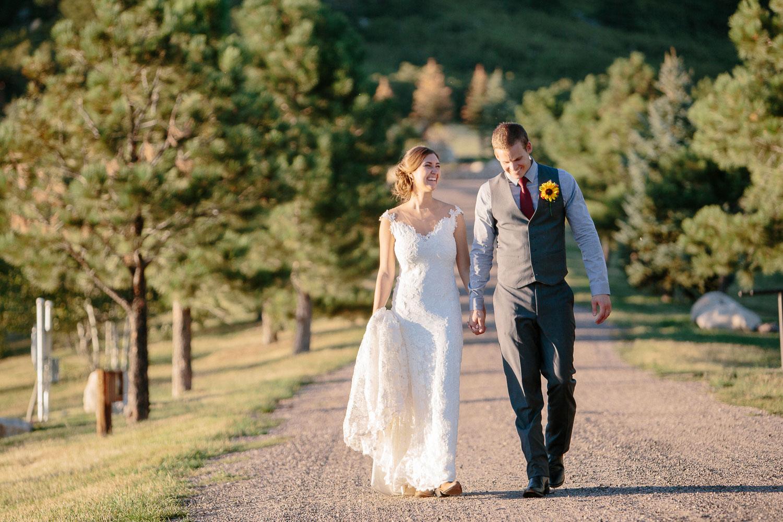 160902-Luxium-Weddings-Arizona-Michael-Becca-Spruce-Mountain-Ranch-Colorado-webres-095.jpg