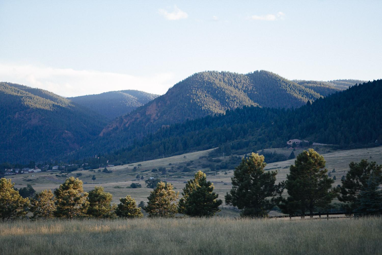 160902-Luxium-Weddings-Arizona-Michael-Becca-Spruce-Mountain-Ranch-Colorado-webres-098.jpg