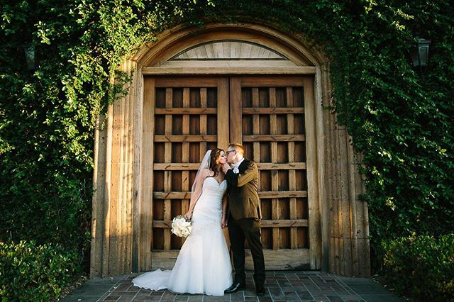 Alright you two ❤️ @blknylw . . . . . . . . . . . . . . .  #weddingseason #loveauthentic #ftwotw #bohowedding #theknot #elopement #brideandgroom #smpweddings #shesaidyes #realweddings #weddingdetails #weddingchicks #risingtidesociety #loveintentionally #destinationwedding #vintagebride #destinationweddingphotographer #featuremeoncewed #stylemepretty #elopementphotographer #bohobride #intimatewedding #greenweddingshoes  #phoenixaz #ig_arizona #arizonaphotographer #arizonaphotography #arizonalife #phoenixphotography #azweddings