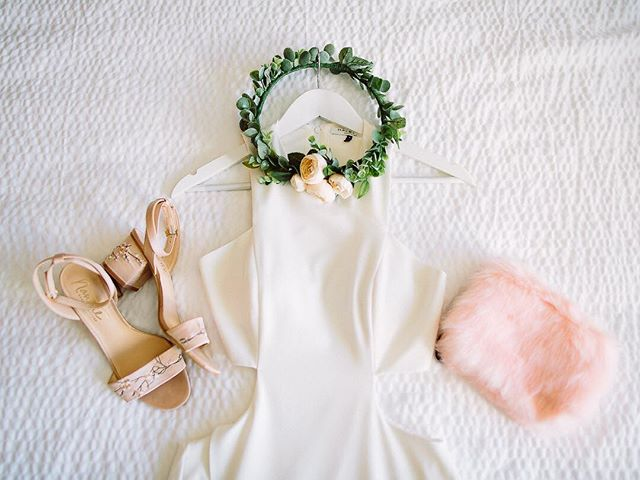 Dress ✅ Shoes ✅ Rose Crown ✅ Pink fluffy clutch bag ✅✅✅ . . . . . . . #azigers #loveauthentic #ftwotw #bohowedding #theknot #elopement #brideandgroom #smpweddings #shesaidyes #realweddings #weddingdetails #weddingchicks #risingtidesociety #loveintentionally #destinationwedding #vintagebride #destinationweddingphotographer #featuremeoncewed #stylemepretty #elopementphotographer #bohobride #intimatewedding #greenweddingshoes  #phoenixaz #ig_arizona #arizonaphotographer #arizonaweddings #arizonalife #phoenixweddings #azweddings