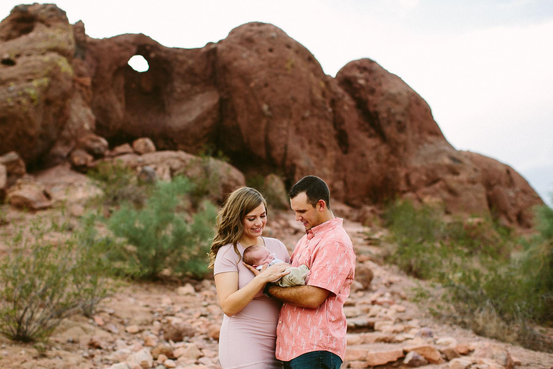 Luxium-Creative-@matt__le-Newborn-Baby-Photoshoot-Arizona-Phoenix-Papago-Park-Red-Rocks-105.jpg