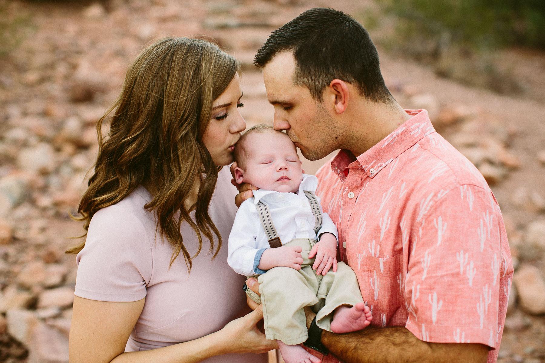 Luxium-Creative-@matt__le-Newborn-Baby-Photoshoot-Arizona-Phoenix-Papago-Park-Red-Rocks-106.jpg