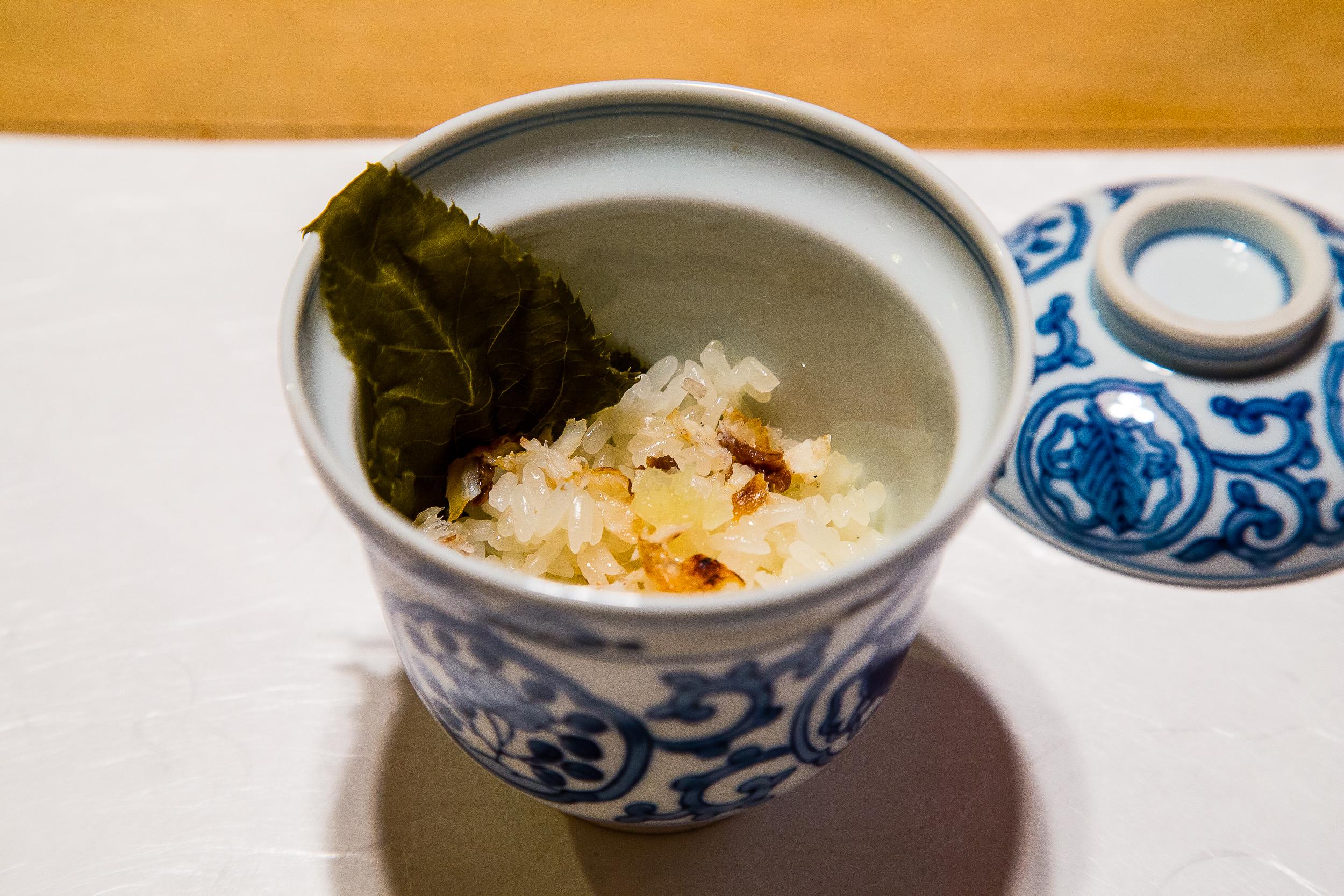 Donabe rice with a sakura leaf