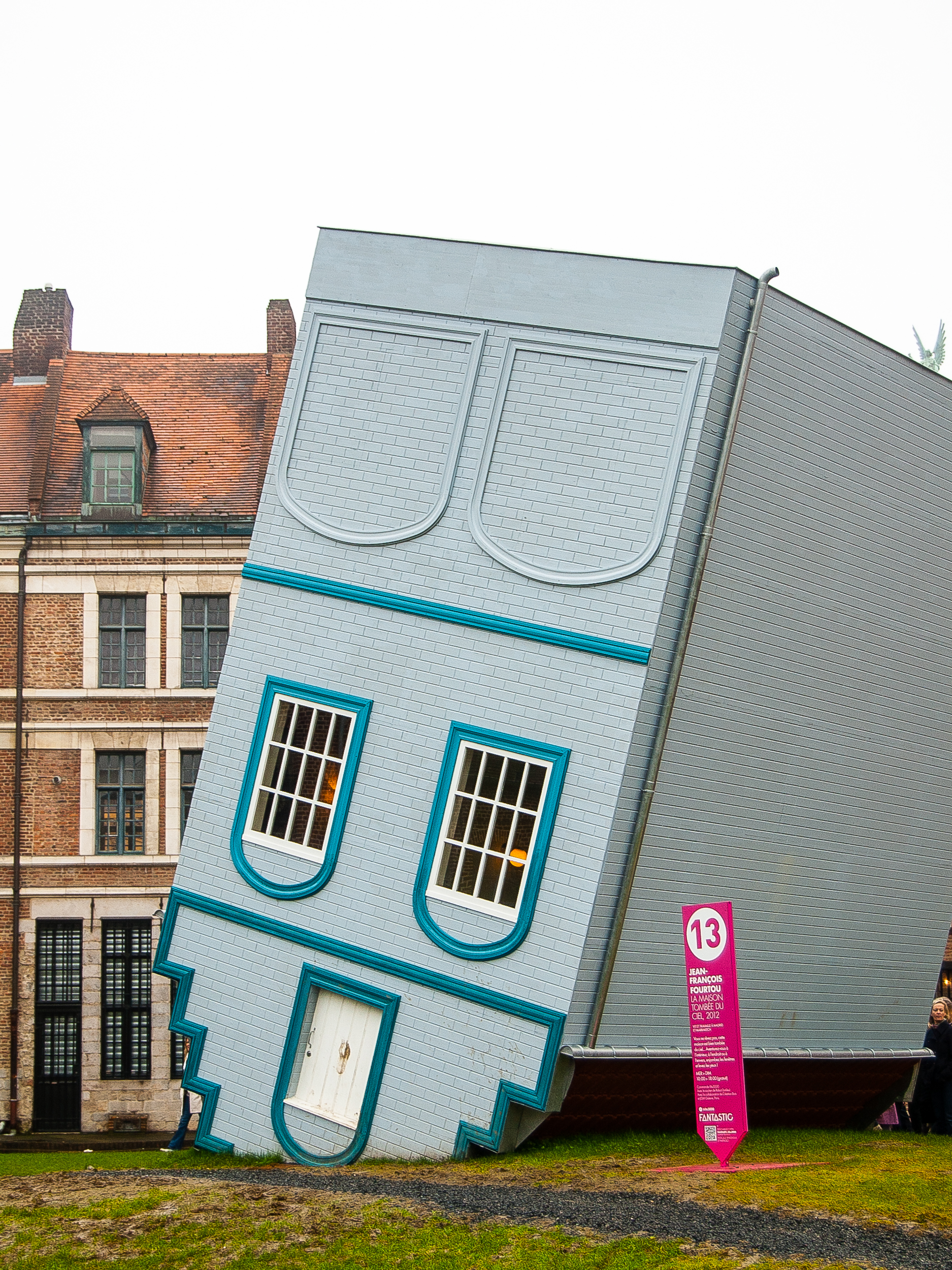 I was lucky that my visit coincided with a six month arts festival called Lille Fantastique. There were exhibits all around the city. Pictured here is the Maison Tombée du Ciel.
