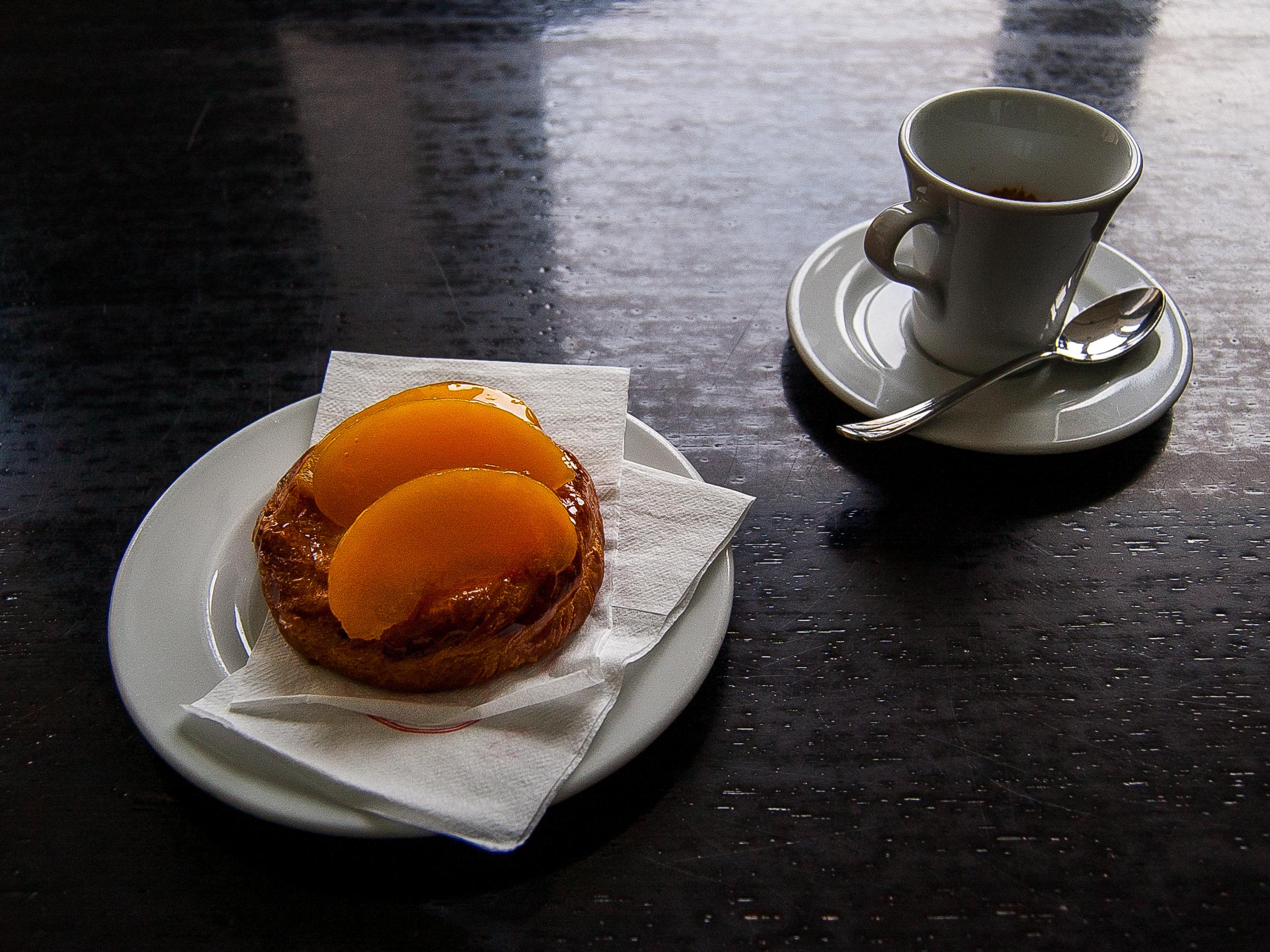 Breakfast at a café.