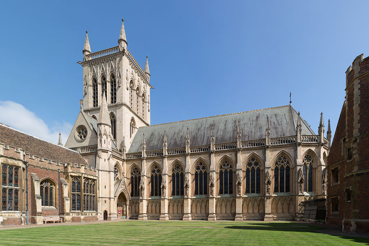 St_John's_College_Chapel_Court,_Cambridge,_UK_-_Diliff.jpg