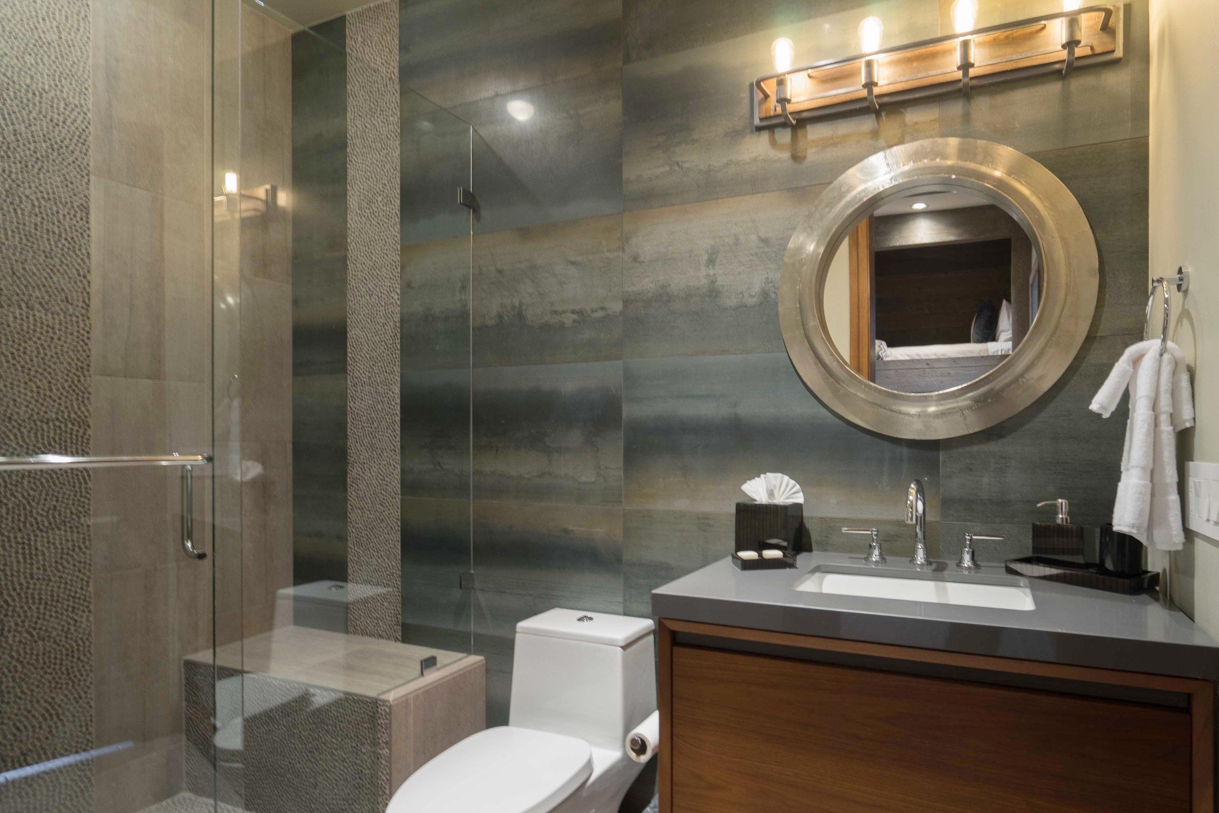padden.bunk.bath.1.jpg