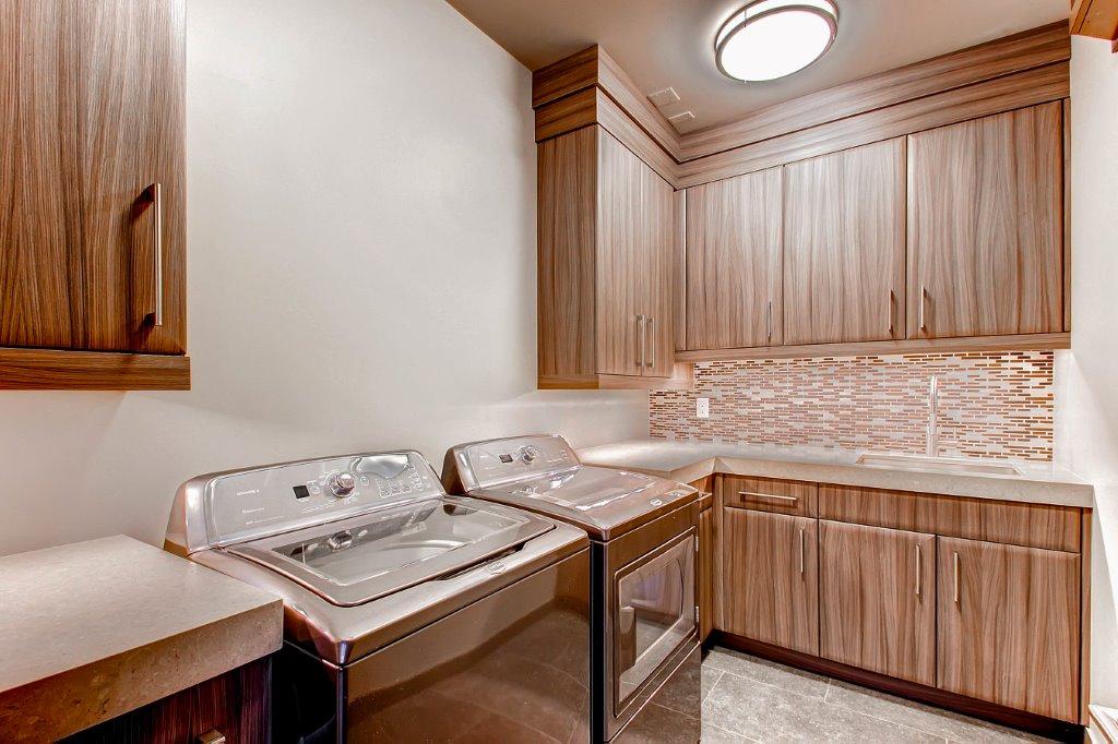 27 Lower Level Laundry Room.jpg