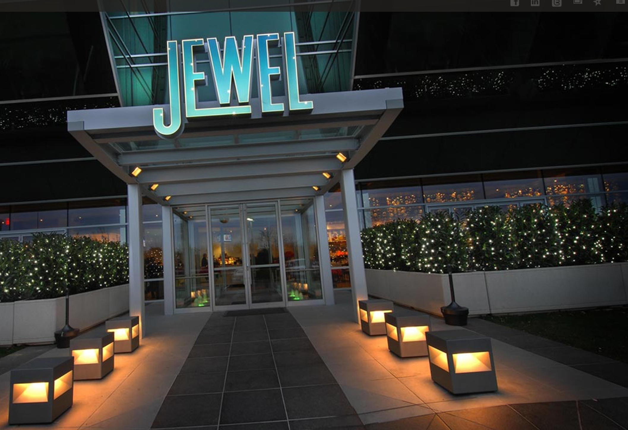 Jewel_(1).jpg