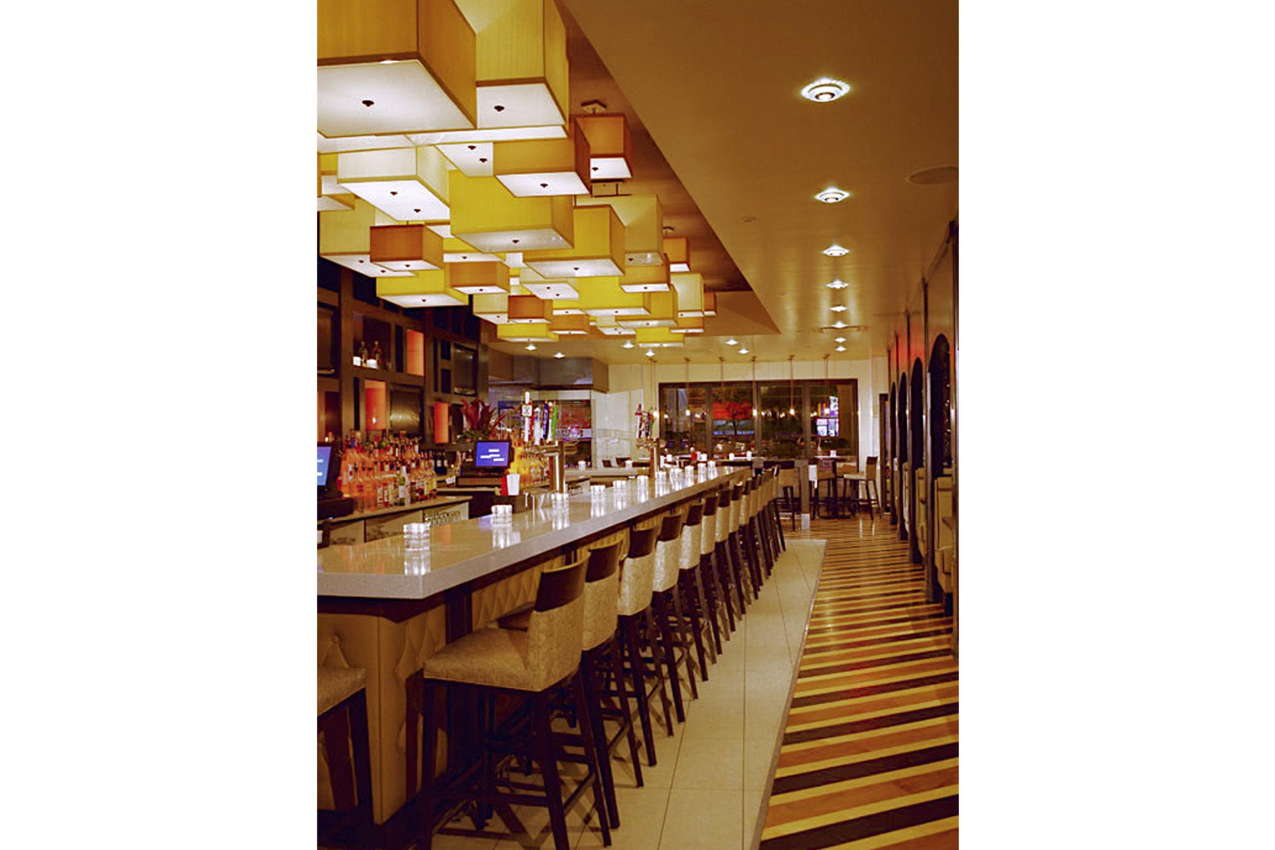 Sidetracks Restaurant & Bar - Sunnyside, NY