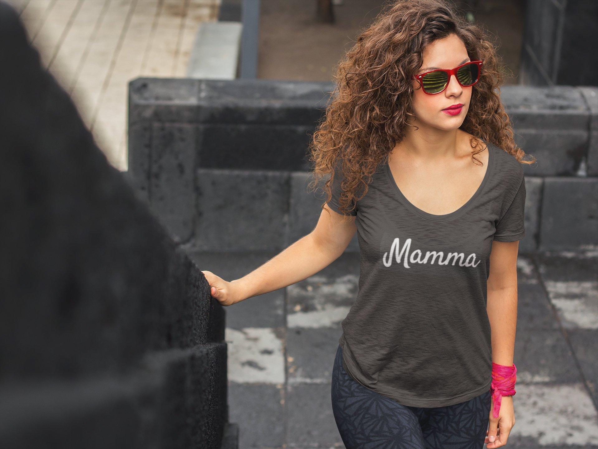 Mammaprada Italian Travel and Bilingual Parenting Blog | Shop multilingual T-shirts | Cultural T-shirts | Customization language T-shirts | Mamma T-shirt | Mamma Italian T-shirt