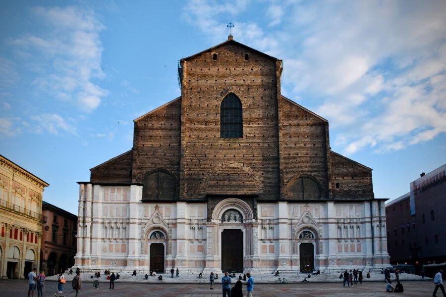 Credit: Unsplash. Cathedral of San Petronio in Bologna, on its main Square Piazza Maggiore.