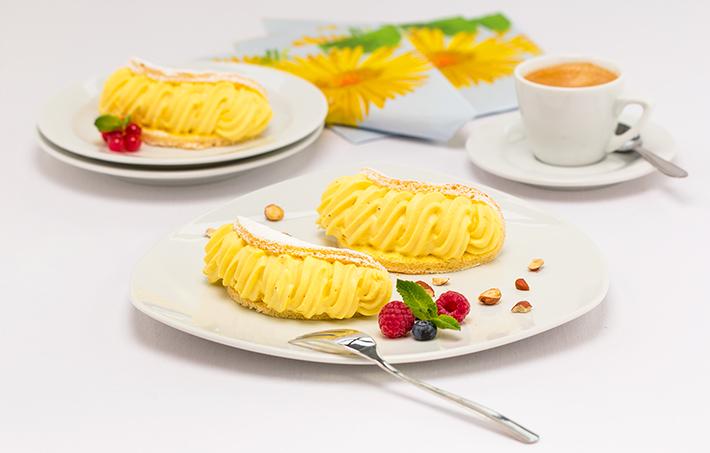 Vanilla Cream in a Sponge Shell