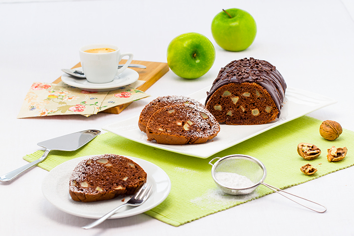 Apple and Nut Cake