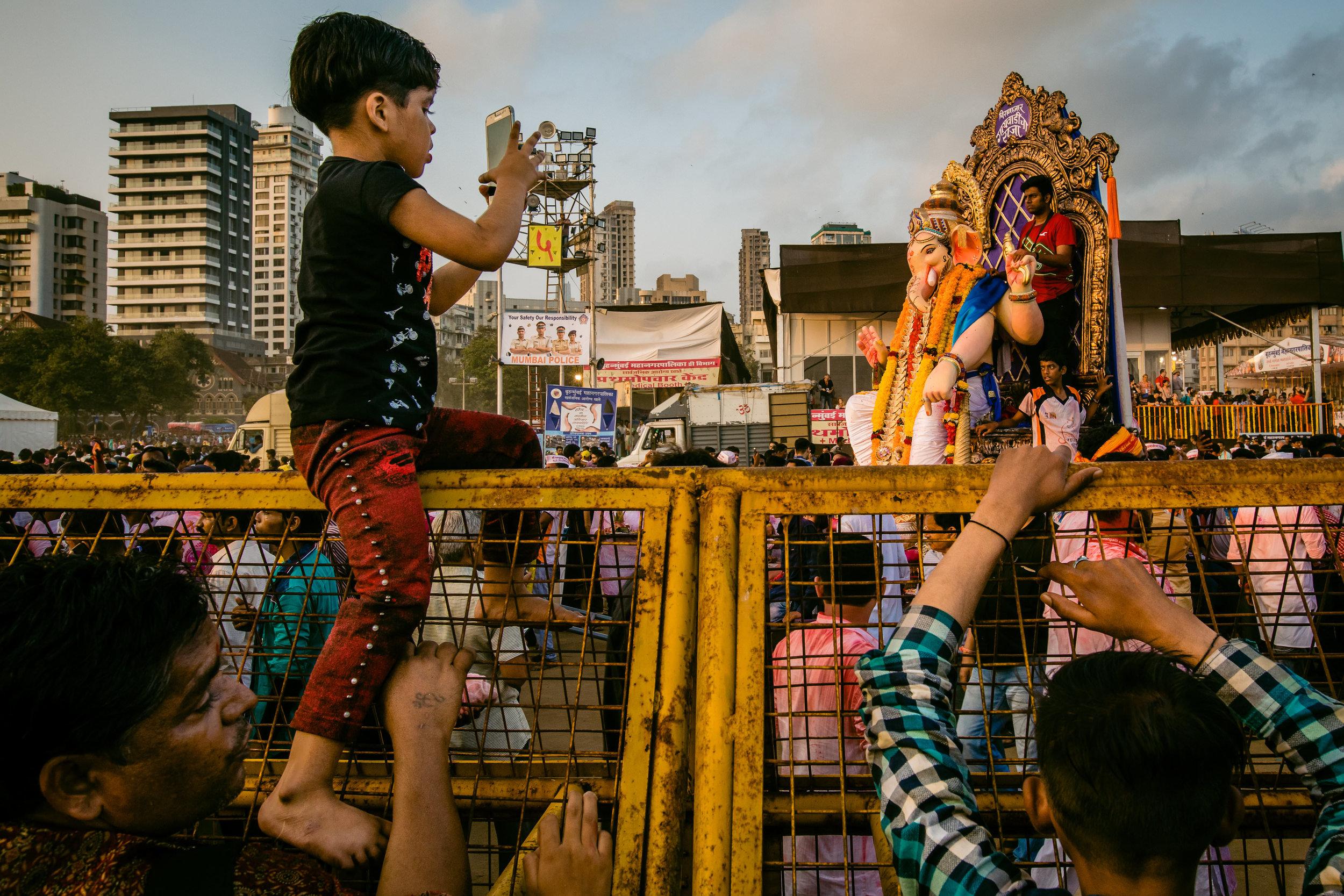SamWalzade_Ganpati_Mumbai2018_12.jpg
