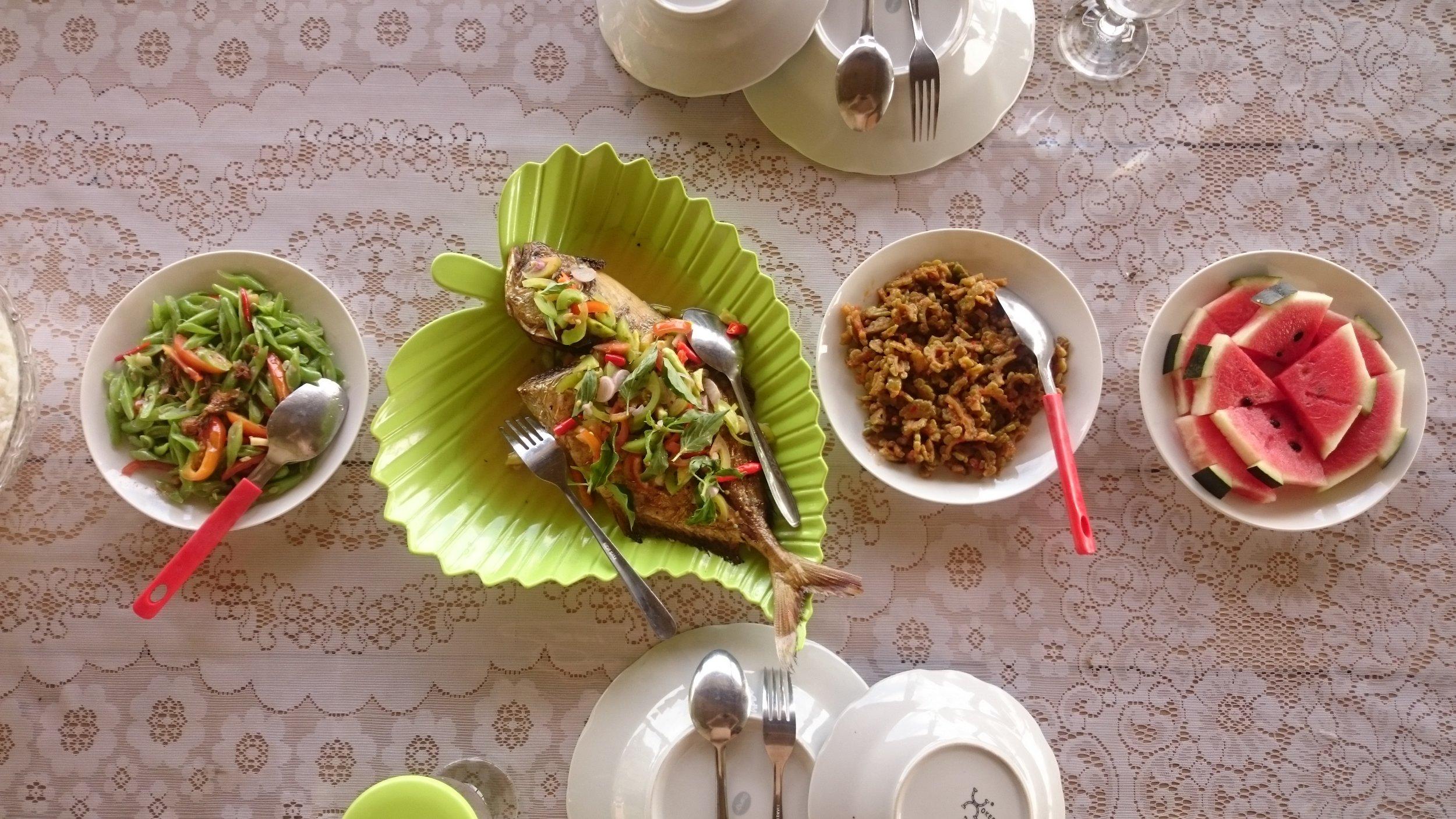 Makan Siang ala Chef Lisar Bahari, Sawai
