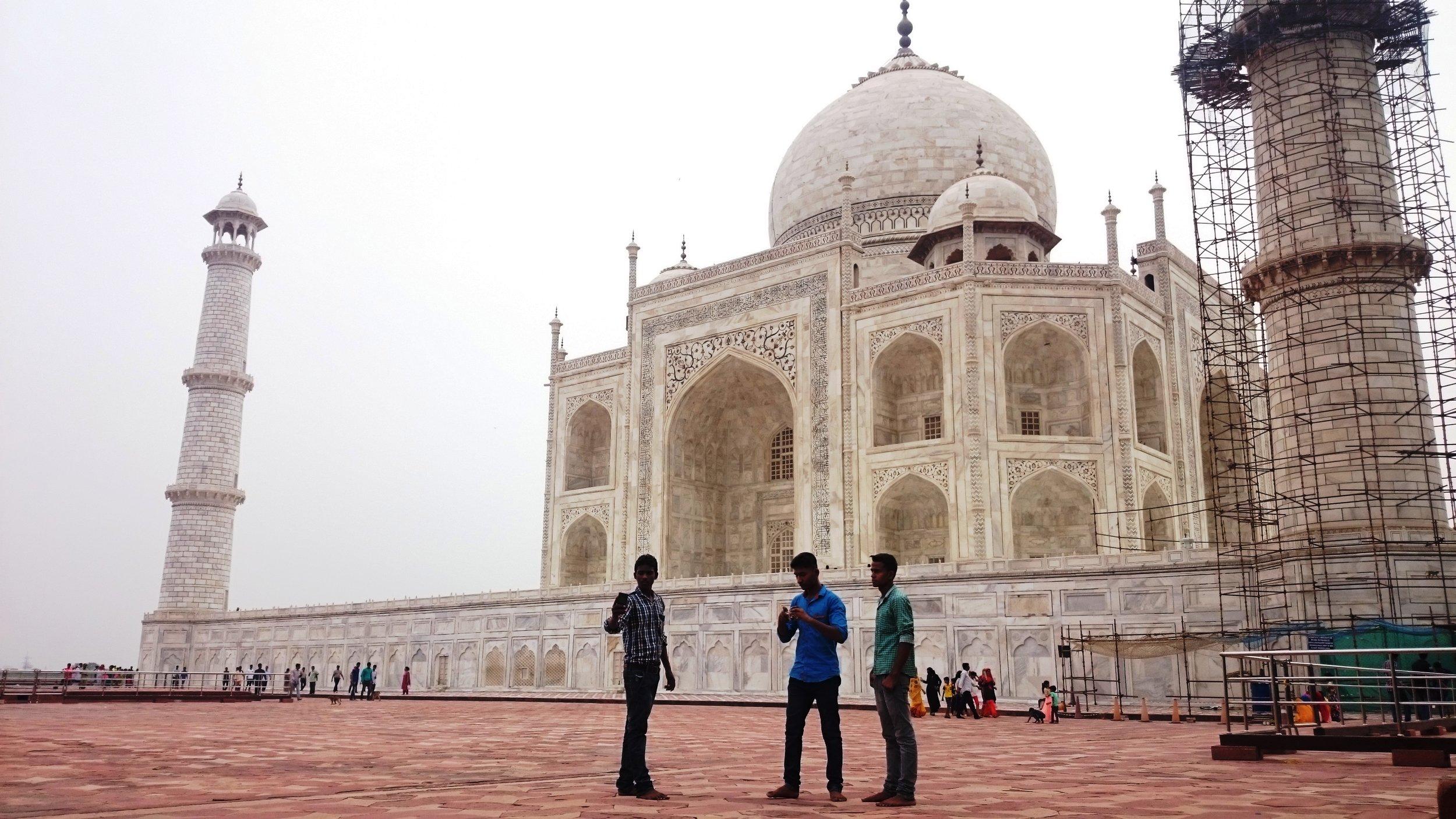 Pengunjung Taj Mahal